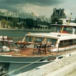 Лодка по Сене